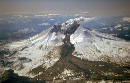 800px-MSH82_lahar_from_march_82_eruption_03-21-82.jpg